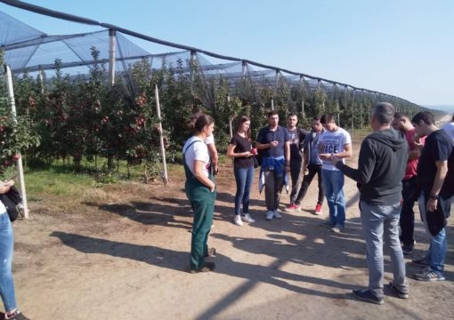 Students of the Faculty of Agriculture from Zemun visited our orchards